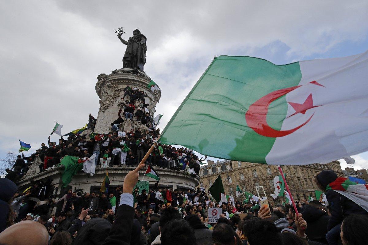 قصة الإستقرار و... إنتفاضات الجزائر والسودان