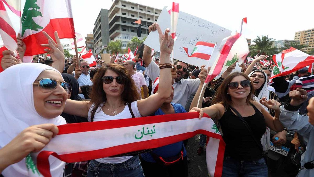 لبنان يفتتح مسيرة الأمل والألم الطويلة