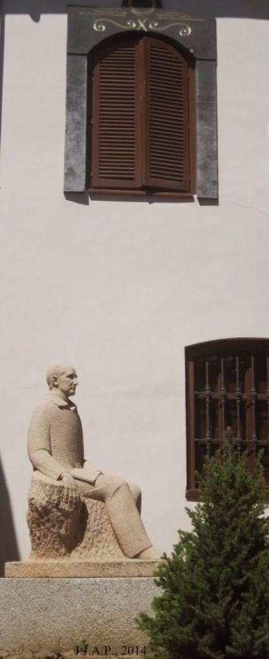 Panero estatua, picassa