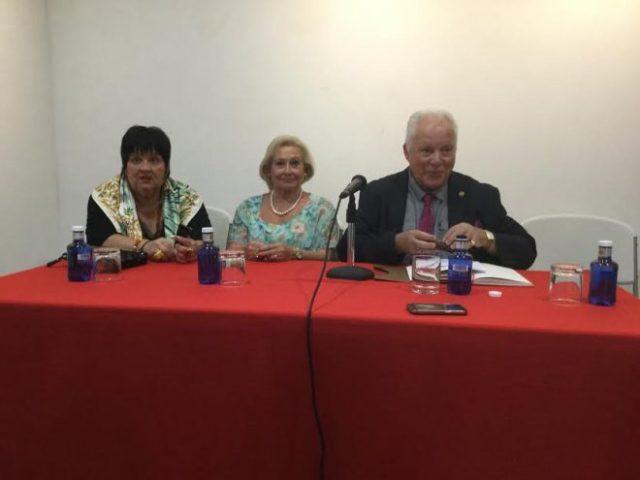 Javier de la Rosa, Charo Panero y Loreto Piquer.