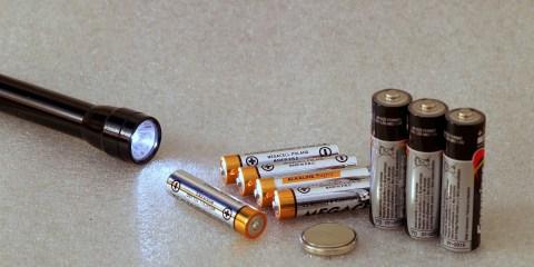 best aaa flashlight featured image