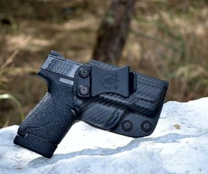 Best IWB Holsters for S&W Shield reviews