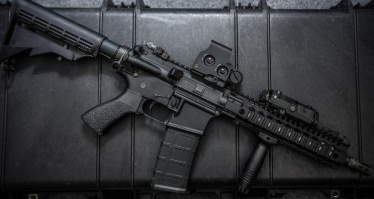best holographic sight reviews under 200 dollars
