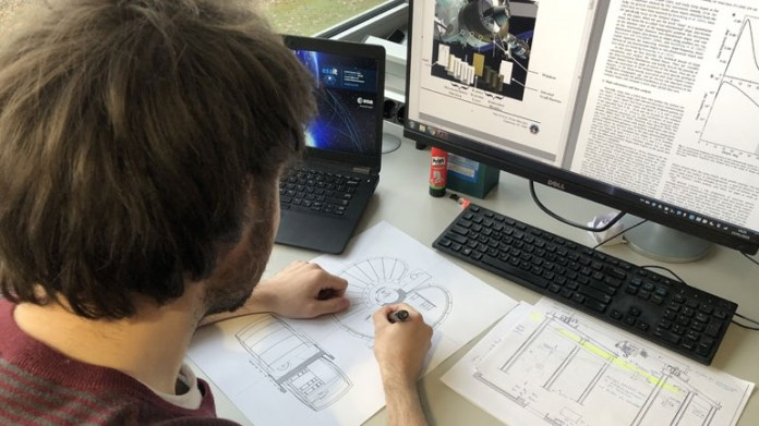 Φοιτητής αρχιτεκτονικής του ΕΜΠ σχεδιάζει κατοικίες στη Σελήνη