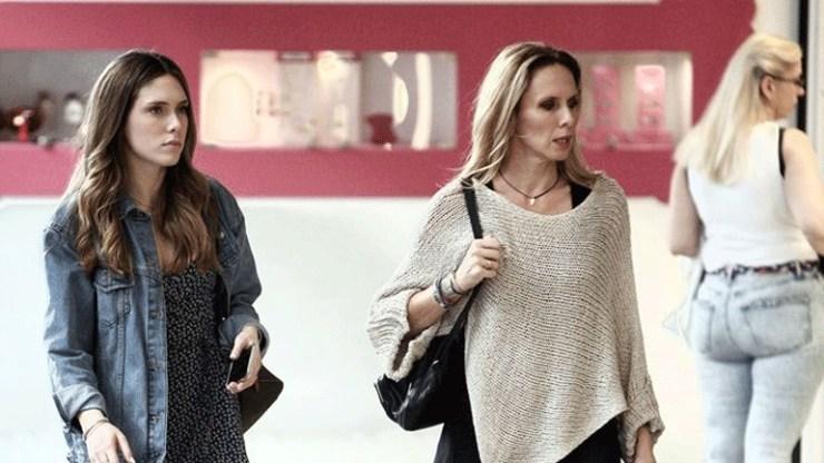 Εβελίνα Παπούλια: Για ψώνια στο κέντρο της Αθήνας με την κόρη της
