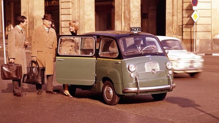 Το Fiat 600 Multipla πρωταγωνιστεί στο Λονδίνο