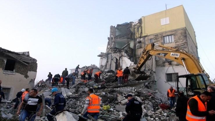 Αλβανία: Συνεχίζονται οι έρευνες των σωστικών συνεργείων - 49 οι νεκροί