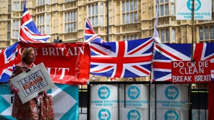 Το αποτέλεσμα των βρετανικών εκλογών στο βρετανικό Τύπο