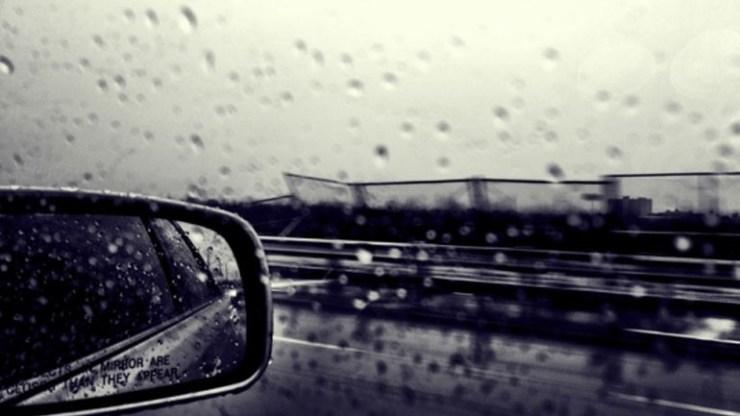 Κρήτη: Εγκλωβίστηκαν στο αυτοκίνητο... λόγω βροχής