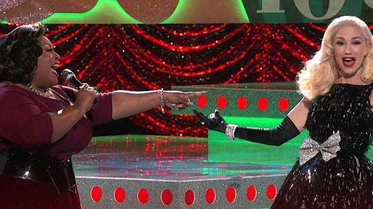 Gwen Stefani: Λαμπερή εμφάνιση στον τελικό του «The Voice» με δημιουργία του Βασίλη Ζούλια
