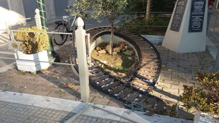 Το ΚΙΣΕ καταδικάζει τον βανδαλισμό του Μνημείου Ολοκαυτώματος των Τρικάλων και ζητάει σύλληψη των δραστών