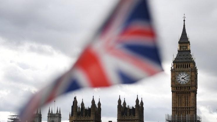 Θορυβημένο το Λονδίνο από την απόφαση του Ιράν να αποδεσμευτεί από τη συμφωνία για τα πυρηνικά