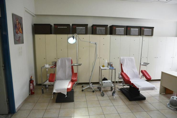 Με μικρή συμμετοχή ξεκίνησε εθελοντική αιμοδοσία στο κέντρο της Λάρισας (Φωτό)