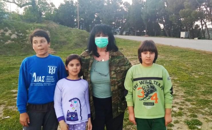 Τον ξενώνα φιλοξενίας προσφύγων και μεταναστών στη ΣωτηρίτσαΛάρισας επισκέφθηκε το Μεγάλο Σάββατο η Άννα Βαγενά