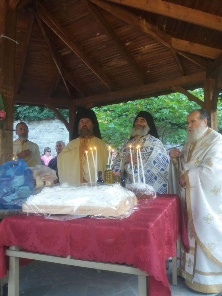 Με μεγαλοπρέπεια η εορτή του Αγίου Παντελεήμονος στο Δήμο Τεμπών