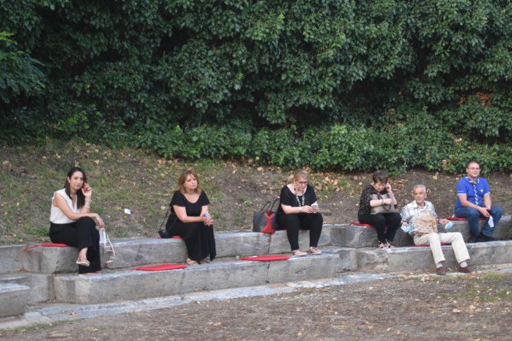 Λάρισα: Οι νέοι βγαίνουν στο προσκήνιο - Εκδήλωση με θέμα «Δημοκρατία, Νέοι-Νέες και Ανοιχτές Κοινωνίες» στο Β' Αρχαίο Θέατρο (φωτό - βίντεο)