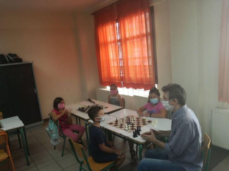 Μικροί κατασκηνωτές σπουδαίοι σκακιστές