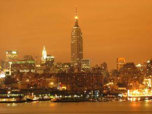 Foto de larga exposición de la contaminación lumínica en Nueva York