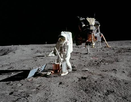 Resultado de imagen para suelo lunar