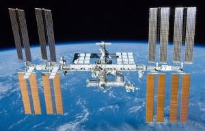 La Estación Espacial Internacional, fotografiada el 23 de mayo de 2010 desde el Space Shuttle Atlantis.