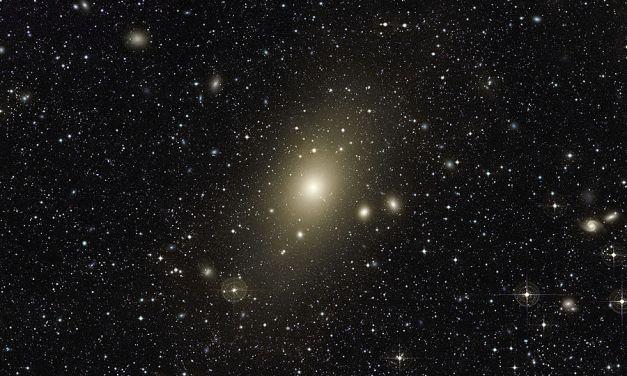 ¿Cómo se formaron las galaxias más grandes?