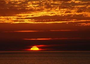 El Sol, un minuto antes del atardecer, en Portugal. Crédito: Joaquim Alves Gaspar
