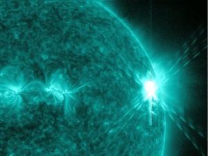 Imagen una llamarada de clase X (las más potentes) emitida por el Sol en 2.011 Crédito: NASA Goddard Space Flight Center