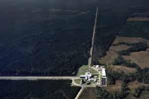 Imagen aérea del observatorio de LIGO en Livingston, Luisiana. Crédito: Caltech/MIT/LIGO Lab