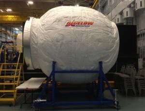 Reproducción del modelo BEAM que se acoplará a la Estación Espacial Internacional. Crédito: Bigelow Aerospace