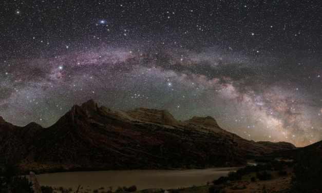 Un impactador oscuro perforó la Vía Láctea en el pasado