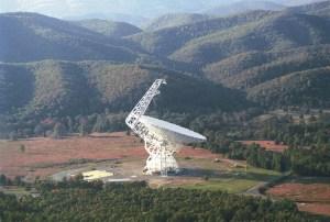Imagen del radiotelescopio Green Bank. Crédito: NRAO/AUI