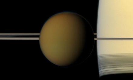 Titán podría estar creando los bloques de la vida