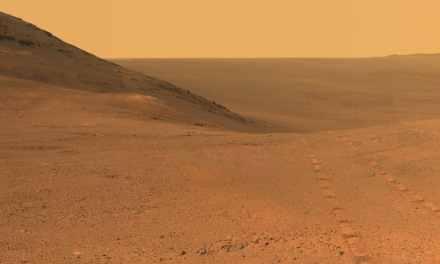 La NASA escucha en espera del rover Opportunity