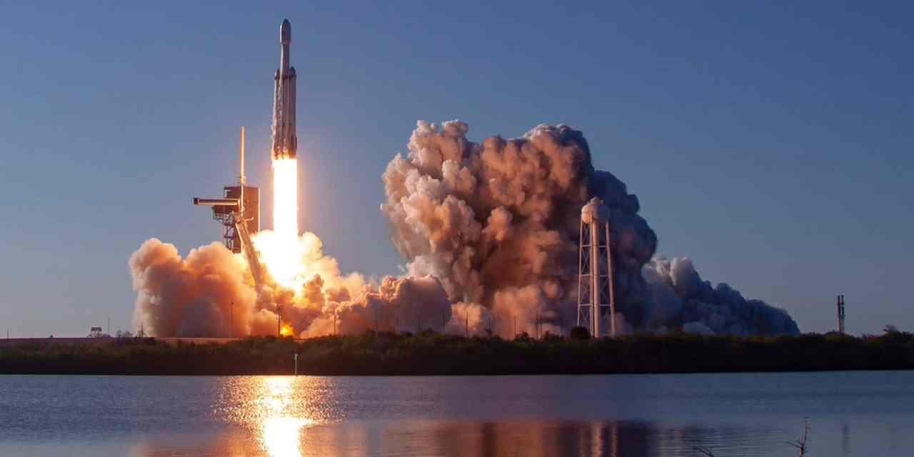 El segundo vuelo del Falcon Heavy es un éxito