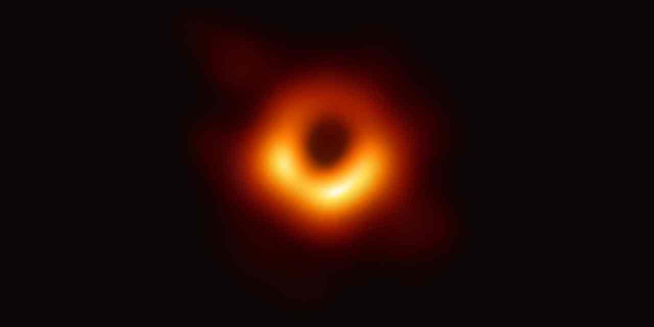 La primera foto de un agujero negro ya está aquí