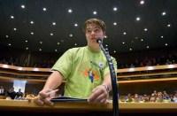 Jongeren debatteren over ruimtevaart in de Tweede Kamer