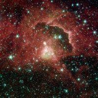 Een groep sterren ontstaat uit een gas- en stofwolk