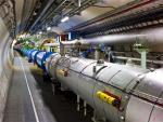 LHC vestigt nieuw record: 8 TeV botsingsenergie. Proost!