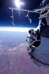 Felix Baumgartner is klaar om z'n supersonische record-vrije val te maken