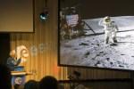 Maanwandelaar Charly Duke groots onthaald in Noordwijk en Utrecht