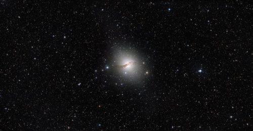 Centaurus A halo