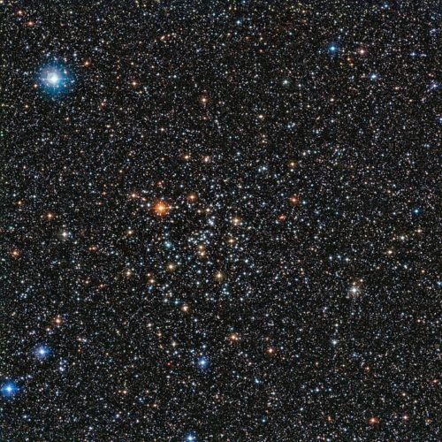 De rijke sterrenhoop IC 4651