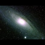 NASA's Fermi satelliet vindt aanwijzing voor donkere materie in kern M31, het Andromedastelsel
