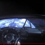 Hoe vergaat het Starman in z'n Tesla Roadster in de ruimte?