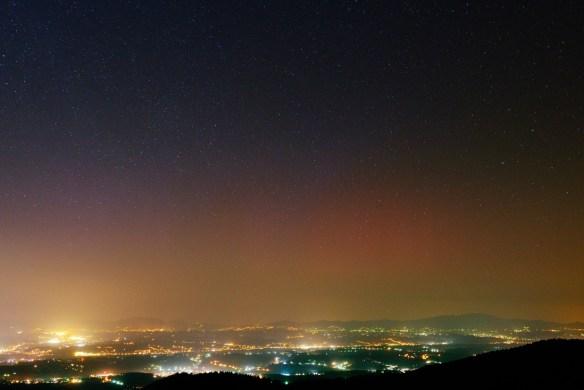 Polarna svjetlost snimljena sa Sljemena, 17.3.2015. oko 21h.