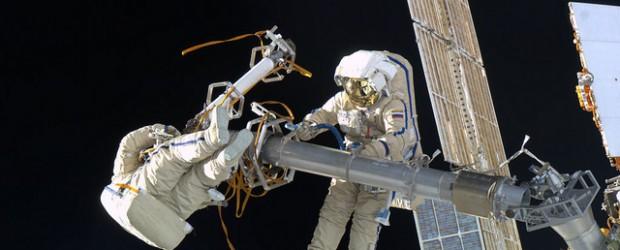 Il 16 Febbraio scorso è stata effettuata la EVA-30 Russa al di fuori della Stazione Spaziale Internazionale dagli astronauti Oleg Kononenko ed Anton Shkaplerov.Questa EVA, durata 6 ore e 15 minuti è stata la quinta ad usare le tute Orlan con telemet...