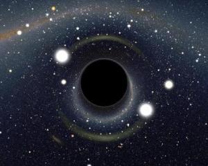 Bilgisayar benzetiminde bir karadeliğin çevresindeki ışığı nasıl büktüğü gösterilmiş. (Alain Riazuelo, IAP / UPMC / CNRS)