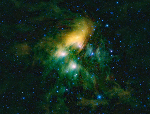 Ülker yıldız kümesinin WISE teleskopu ile elde edilmiş görüntüsü. Yüksek çözünürlükteki farklı formatlar için görsele tıklayınız (NASA/JPL-Caltech/UCLA).