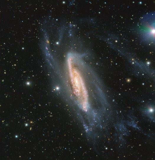 ESO'nun VLT'u gözüyle NGC 3981 sarmal gökadası (ESO).