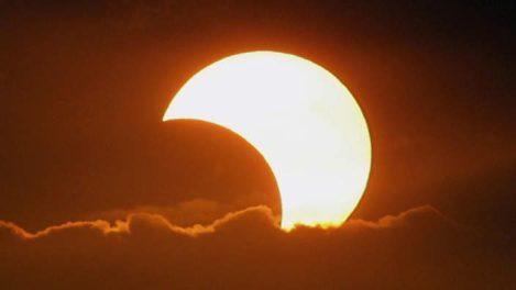 site_1_rand_1898710893_solar_eclipse_l_2207_ap